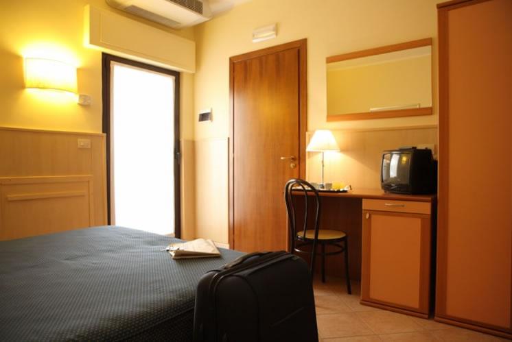 hotel_affittacamere_villa_santa_croce_san_giovanni_rotondo_padre_pio