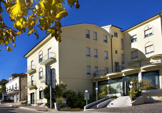 Hotel Le Terrazze sul Gargano*** | Visit San Giovanni Rotondo