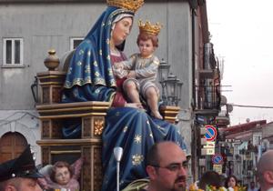 """""""Statua di santa Maria delle Grazie a San Giovanni Rotondo"""""""