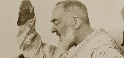 La Benedizione di Padre Pio